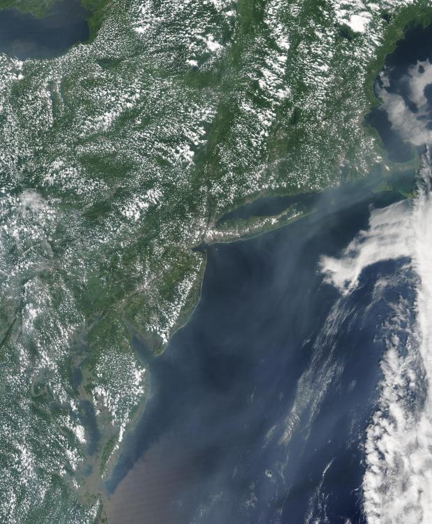 Humo de incendio forestal de Alaska cerca de Estados Unidos oriental