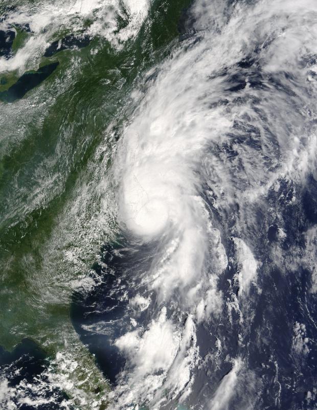 Huracán Alex (01L) cerca de la costa este de Estados Unidos