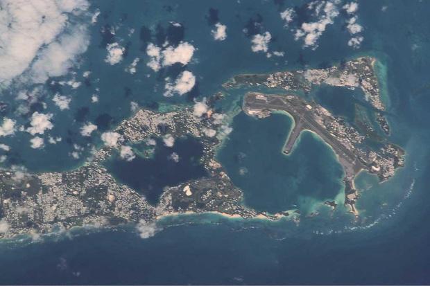 Imagen, Foto Satelite de St George, Isla St. David, Aeropuerto, Castle Harbour