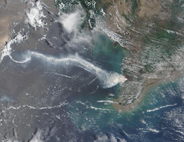 Incendio forestal en Vietnam austral