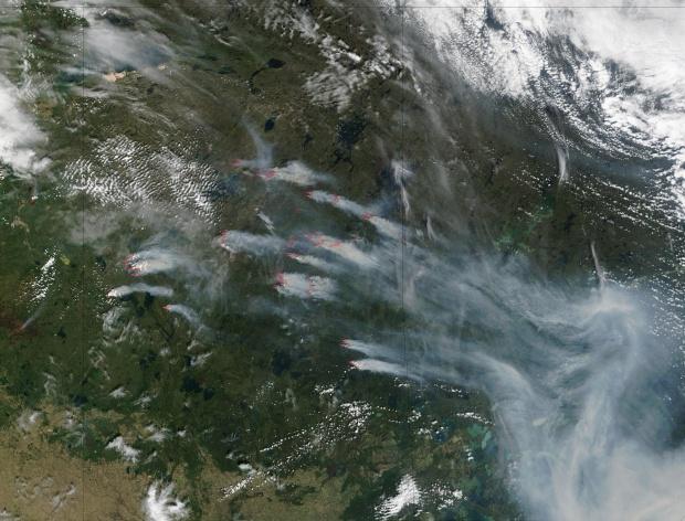 Incendio forestal y humo en Saskatchewan, Canadá