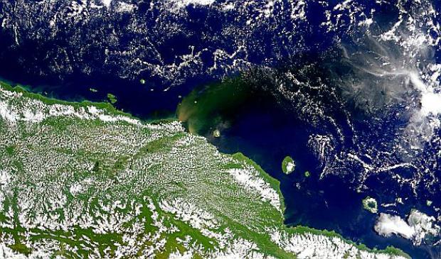 Penachos de sedimentos en Nueva Guinea