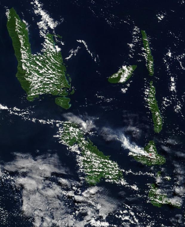 Pluma de ceniza del volcán Ambrym, Vanuatu